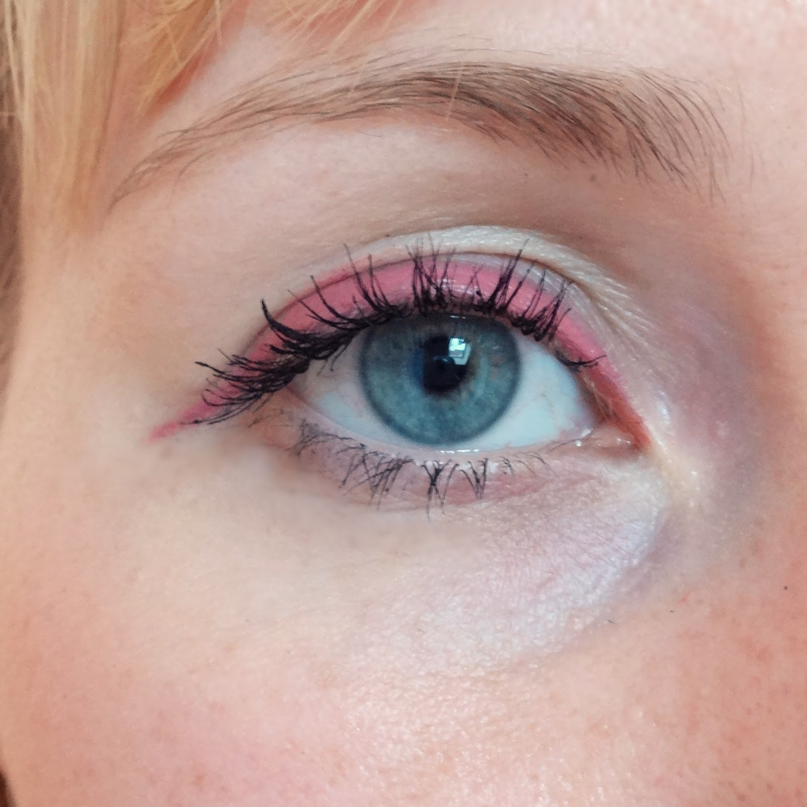 Auge eyeliner