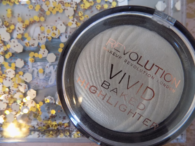 Make Up Revolution Vivid Baked Highlighter Golden Lights
