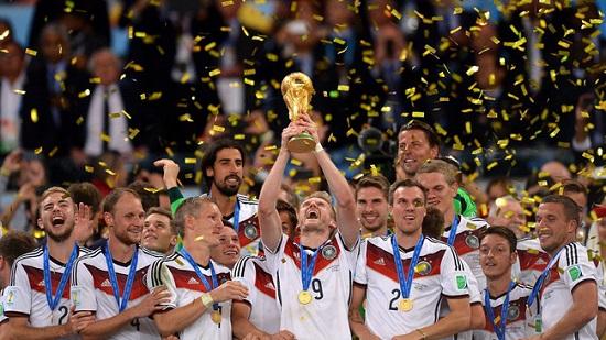 Đức nâng cup vô địch World Cup 2014