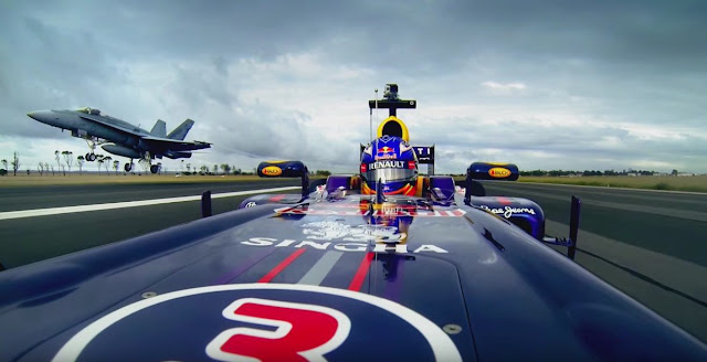 レッドブル、色んな場所でF1マシンを走らせて来た歴史を振り返るビデオを公開!