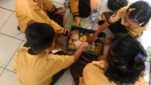 Makan Bersama Setiap Hari Jumat