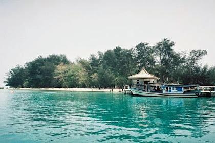 Pulau Semak Daun, Destinasi Wisata Camping Populer Bagi Backpacker