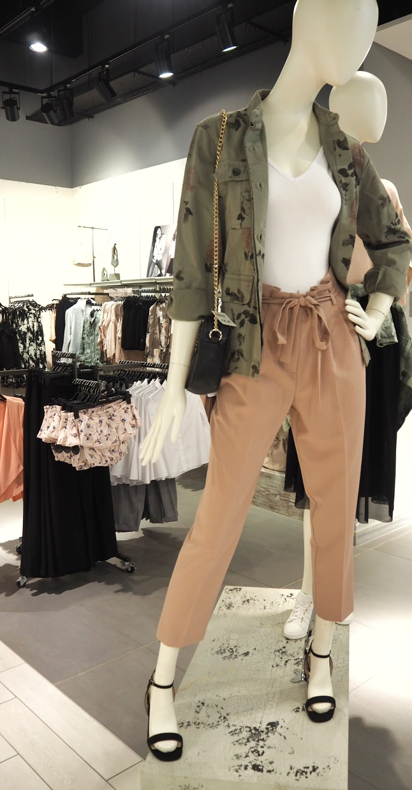Miss Selfridge - Blush Paper Bag Trousers