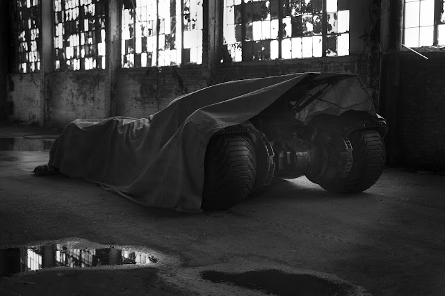Batman v Superman: Dawn of Justice Zack Snyder Batmobile tease