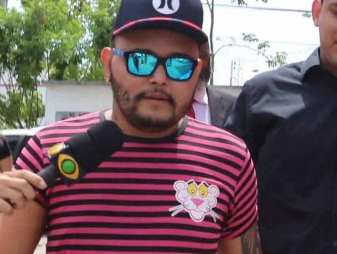 """""""Eu não comi o porco"""" Cantor de forró nega participação em vídeo fazendo sexo com porco, em Manaus"""