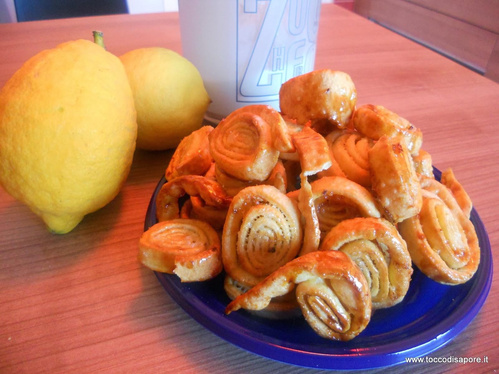 Girelle di carnevale caramellate al limone