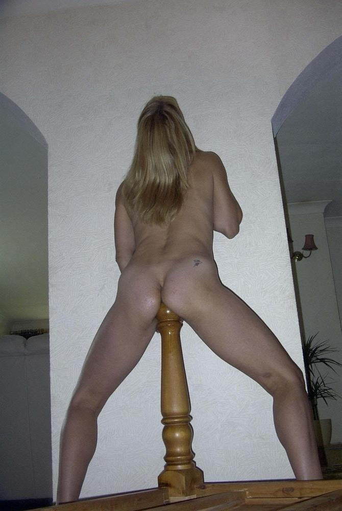 Hot girls fucking bed posts