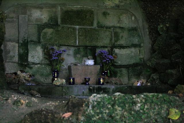 屋比久子之墓の写真