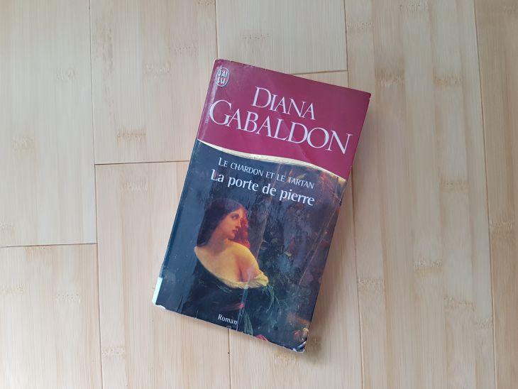 livre diana galbaldon, le chardon et le tartan