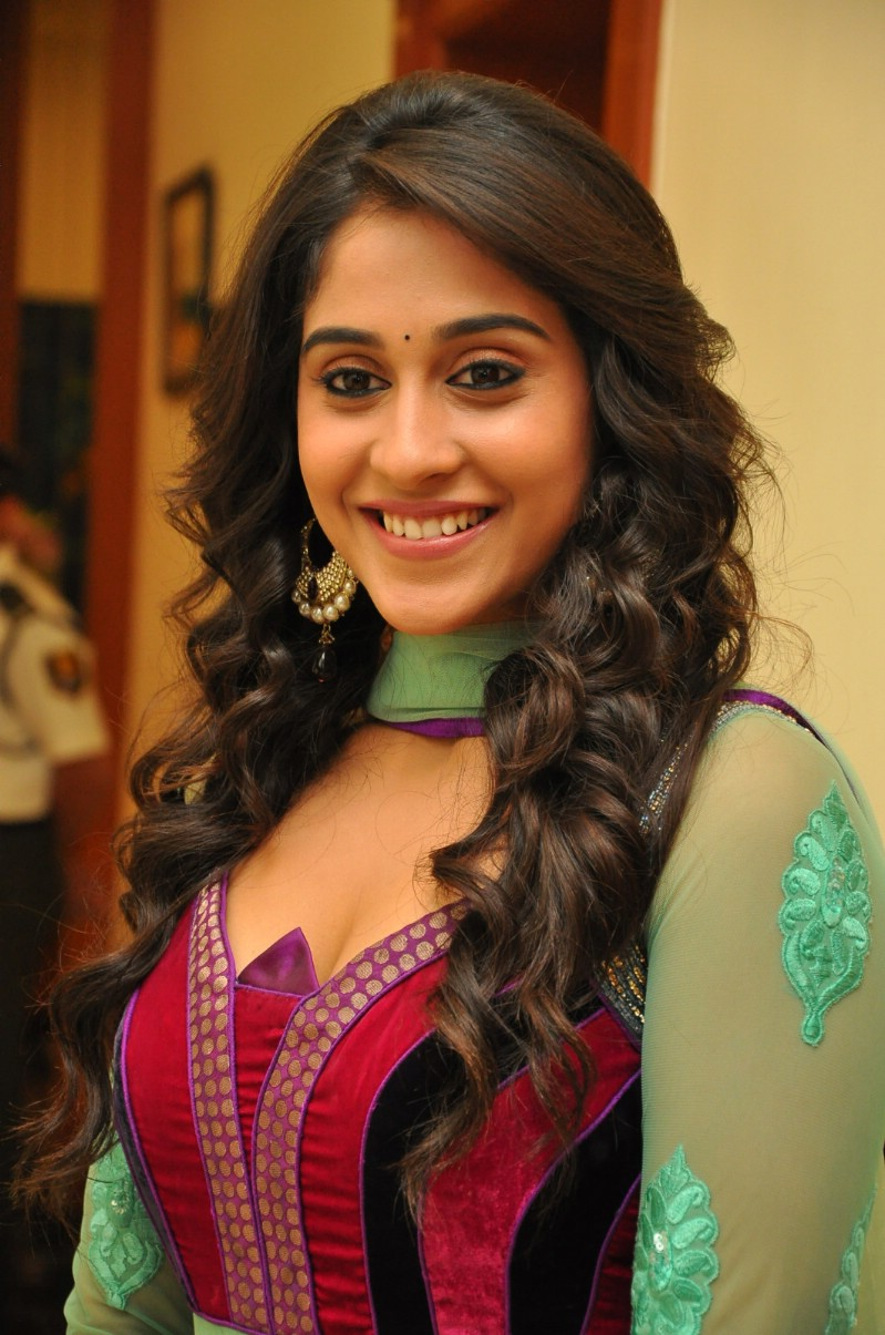 Regina Cassandra Latest Stills In Green Dress