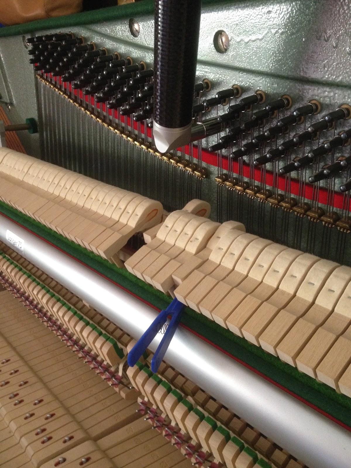 emmanuel calvayrac pianos journ e accords pianos montpellier saint mathieu de tr viers et. Black Bedroom Furniture Sets. Home Design Ideas