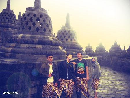 Berempat di Borobudur