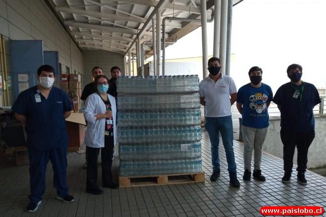 😷🇨🇱Coca-Cola Embonor entrega stock de productos de hidratación a equipos clínicos