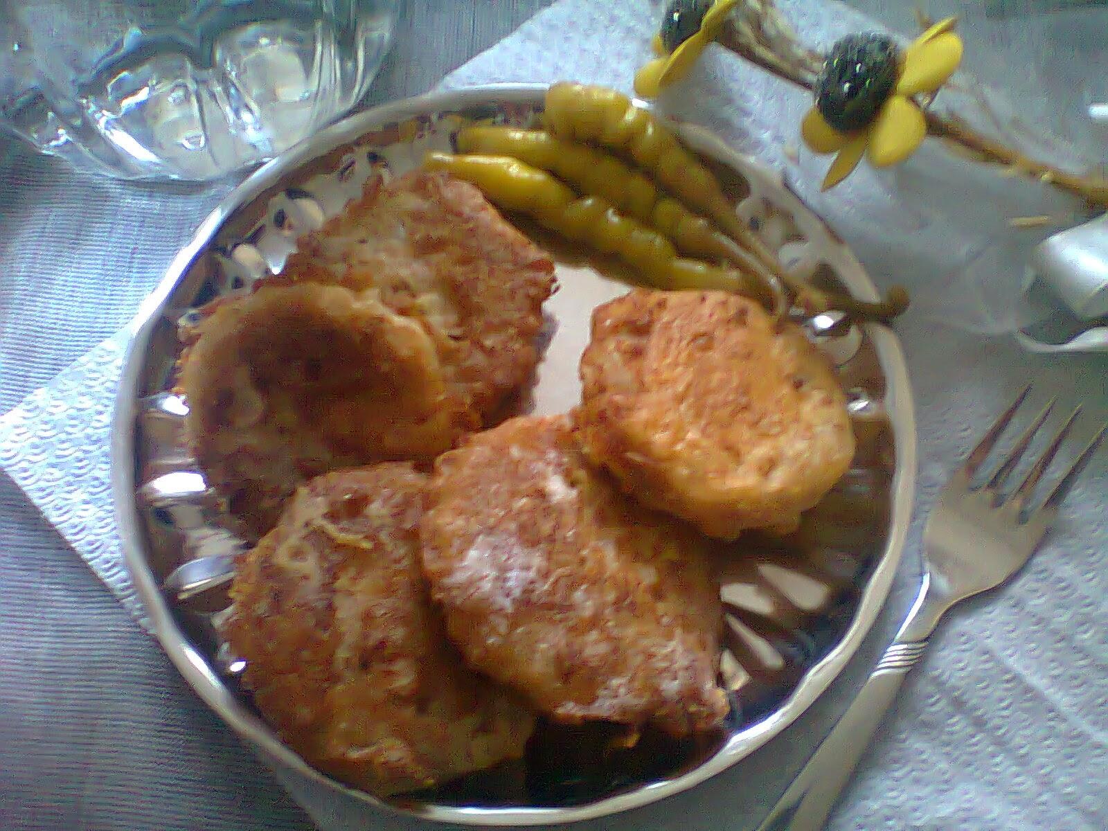İrmik Köftesi (Sıkma Böreği)