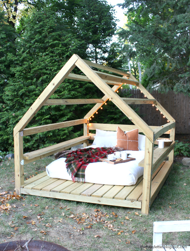 That's My Letter: Build an Outdoor Cabana Lounge