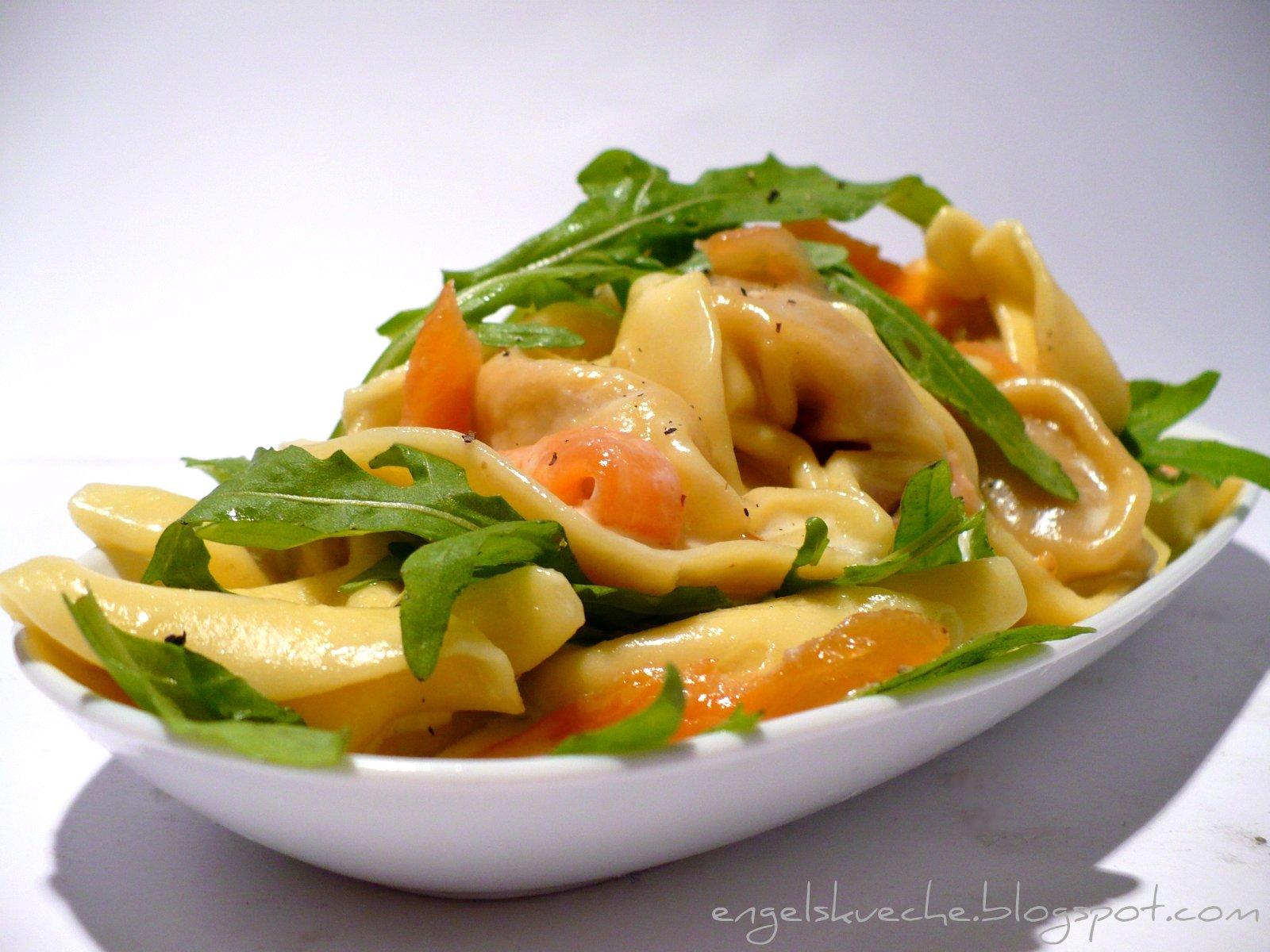 Essen aus Engelchens Kche Tortellini in Sahnesauce mit