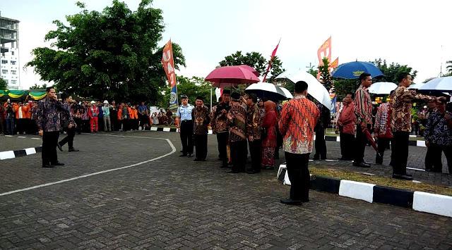 Ta'dzim Sama Ulama,  Presiden Jokowi Tolak Dipayungi Ketum Muhammadiyah