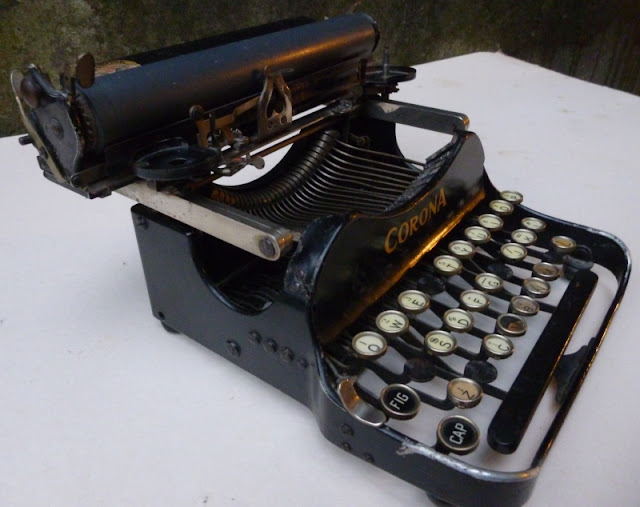 Corona 3 typewriter on which A. Einstein wrote letter to president F.D. Roosevelt