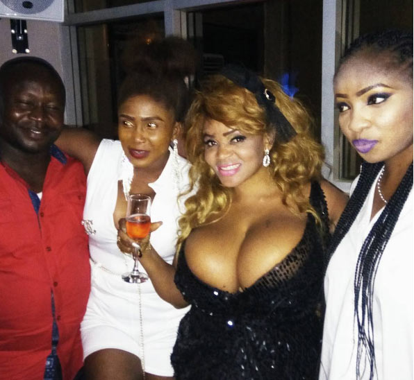 """Holup! Cossy Ojiakor and her """"twin sister"""" hook up at her birthday party"""