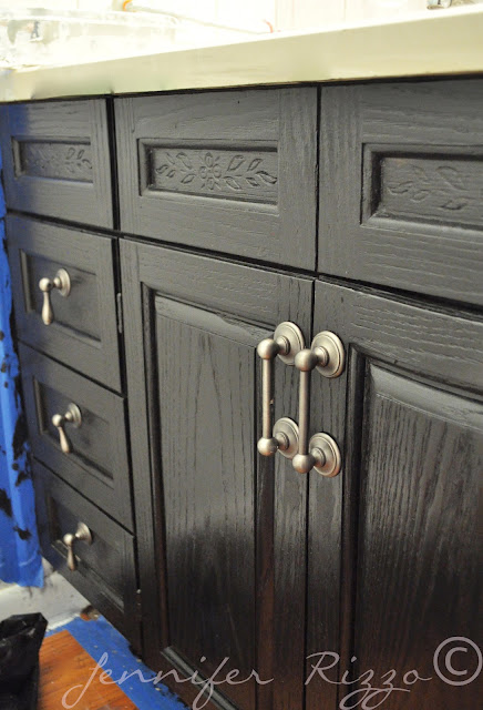 Make a cabinet look like new wit paint and handles