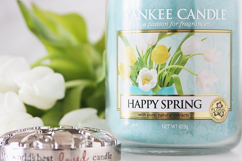 świeca yankee candle happy spring, illuma lid i białe tulipany
