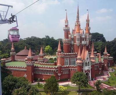 foto istana anak di tmii dari ketinggian