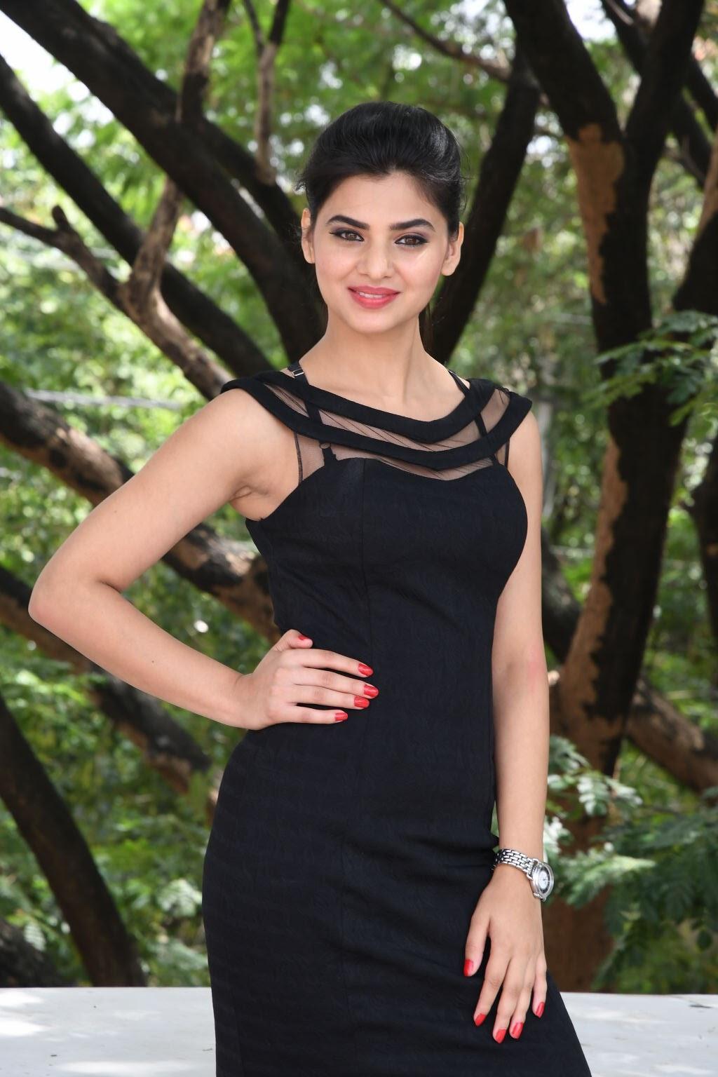 kamna ranawat new glam pics-HQ-Photo-27