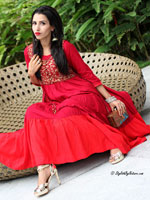 http://www.stylishbynature.com/2015/10/hottest-costume-trends-for-indian.html
