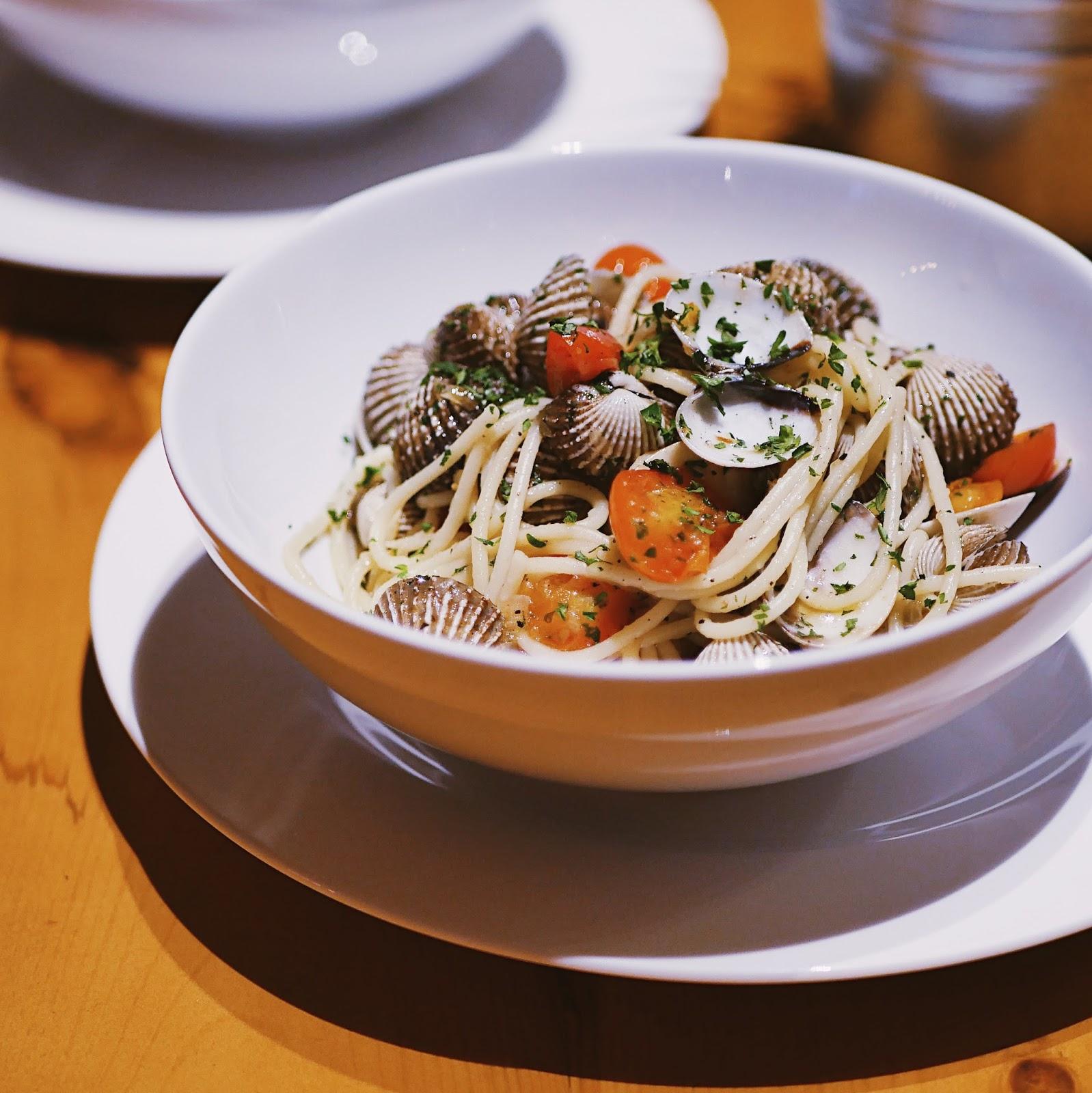Indonesian Food Blogger & Photographer