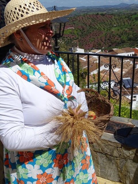 vestido espigadora tipico regional el gastor cadiz andalucia