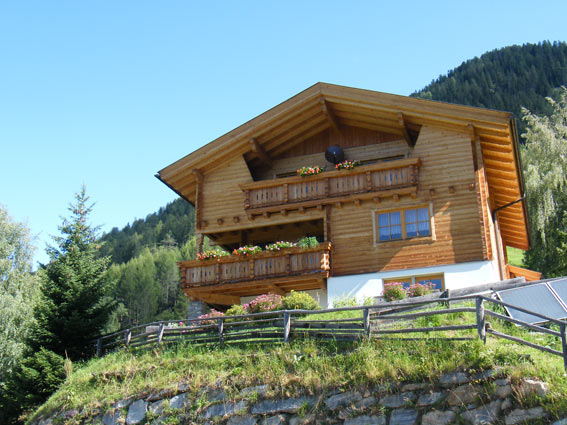 Miete dein eigenes Haus am Berg