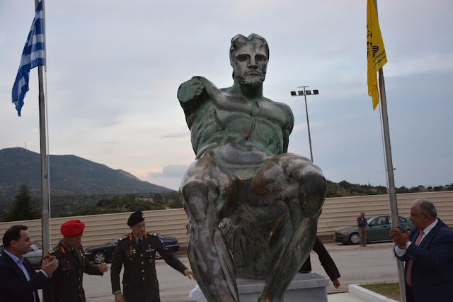 """Αποκαλυπτήρια του """"Έλληνα Πολεμιστή του Πόντου"""" στη Νέα Σάντα"""