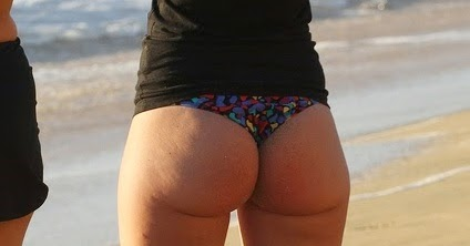 Wide bubble ass mature pawg in jeans