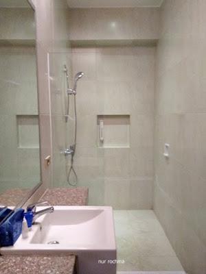 kamar mandi airy lamongan malang