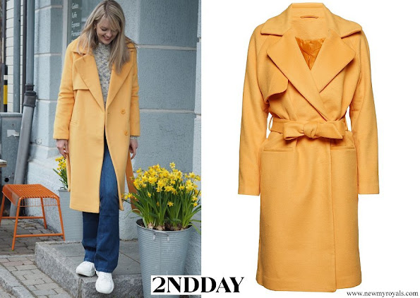 Princess Sofia wore 2NDDAY Livia cashmere and wool cartisans gold coat in yellow
