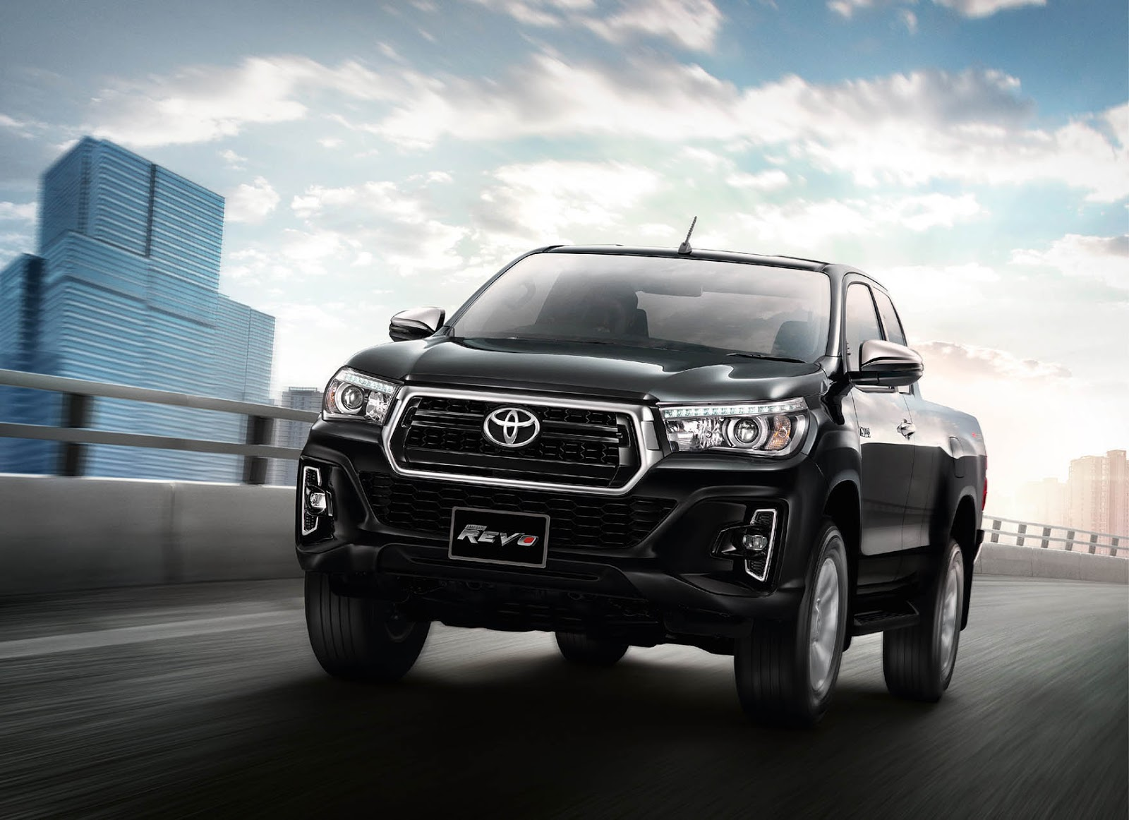 Toyota Tacoma Diesel >> Toyota Hilux Goes To Thailand For A Rugged Facelift | Carscoops