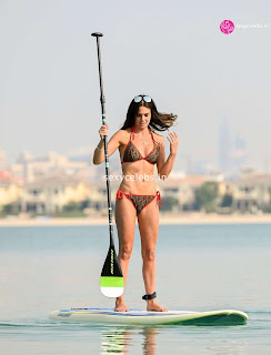Danielle Lloyd ultra  body huge    in tiny bikini WOW Beach Side  Pics Celebs.in Exclusive 018