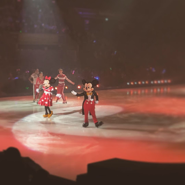 Disney on Ice presents Dream Big review - Mickey and Minnie Mouse