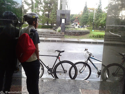 Narsis dulu bareng sepeda