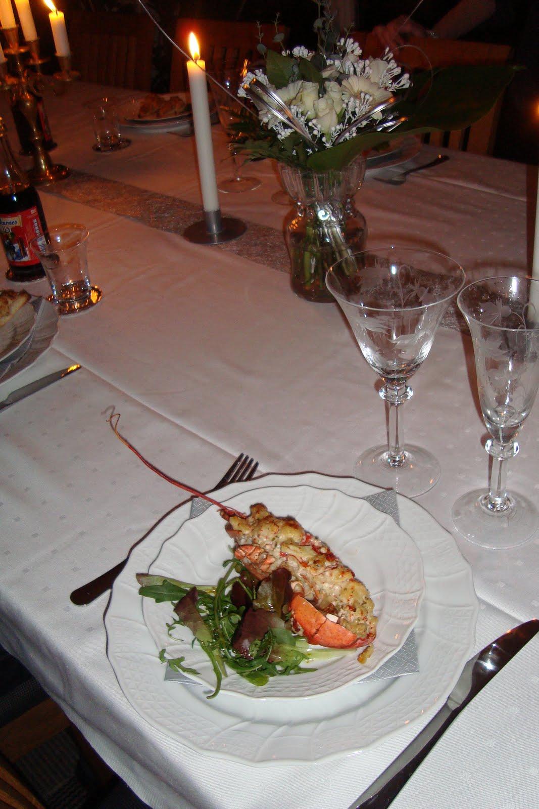 Juldagsmiddag svensk amerikanskt pa bordet