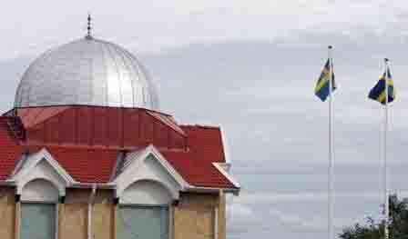 Bolehkan Azan, Uskup Agung Swedia: Selain Suara Lonceng Gereja, Saya Berharap Dapat Dengar suara Azan di Kota Kami