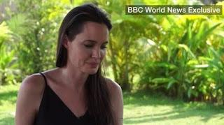 Δεν μπορούσε να συγκρατήσει τα δάκρυά της η Τζολί μιλώντας για το διαζύγιο