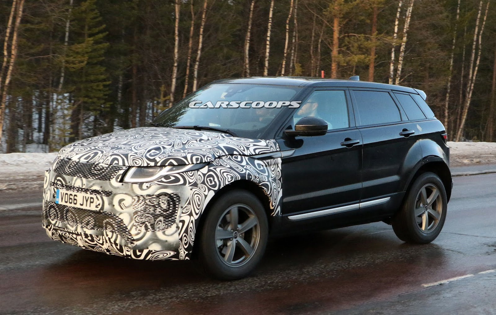 next range rover evoque to adopt velar styling cues might eschew hybrid technology carscoops. Black Bedroom Furniture Sets. Home Design Ideas