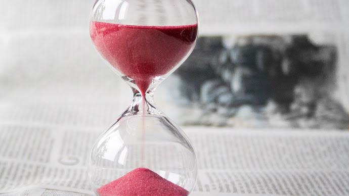 Wallpaper: Hourglass