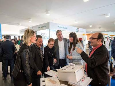 La Feria Navartur todos años atrae a miles de personas, que se acercan hasta Navarra y más concretamente,  hasta su capital Pamplona a ver las novedades y, ofertas que los destinos y empresas turísticas ofrecen cada año.   Una vez más, la vieja Iruña, ha sido protagonista del turismo.