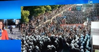 http://www.spiegel.de/politik/deutschland/g20-gipfel-in-hamburg-polizei-stoppt-welcome-to-hell-demonstration-a-1156315.html