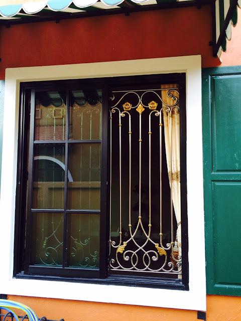 รับงานติดตั้งลูกกรงหน้าต่างสแตนเลส ราคาถูก