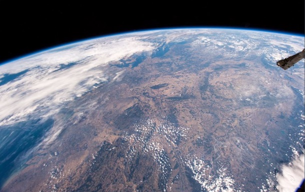 Висушену спекою Німеччину показали з космосу