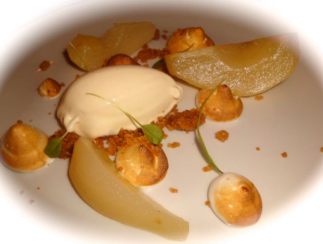 Vanilla pears with rice pudding ice cream