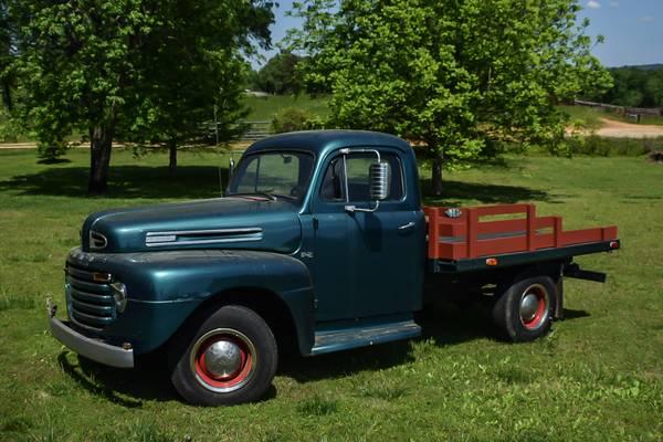 1948 Ford F2 Truck